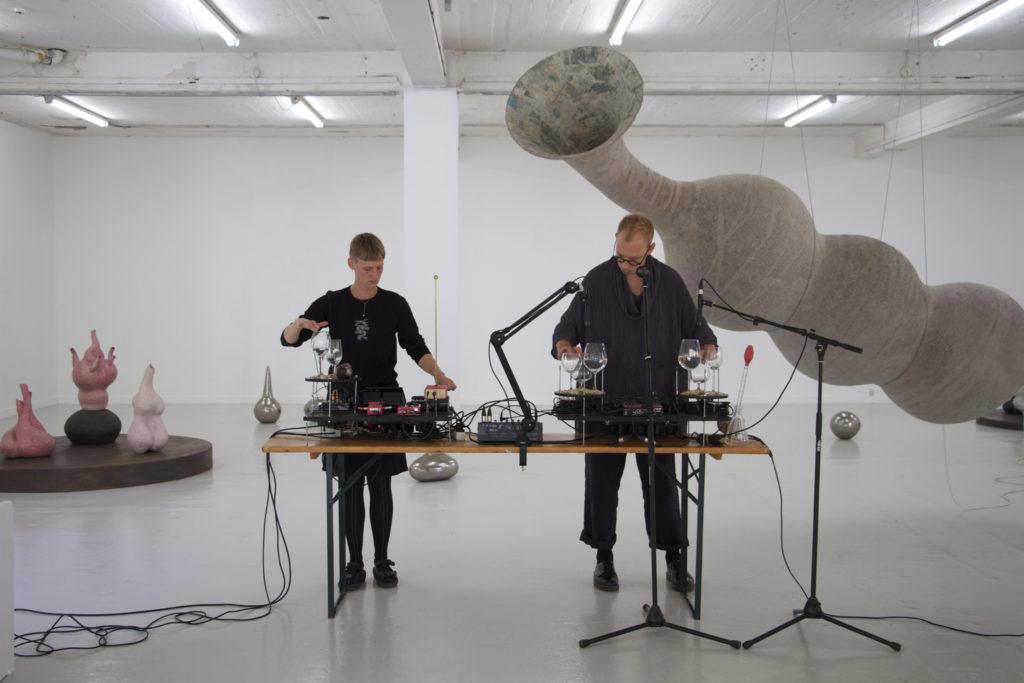 Duo Demona, Overgaden 2019
